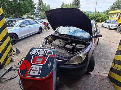 Autoservis Šamo Zvolen - Plnenie klimatizácie do vozidiel